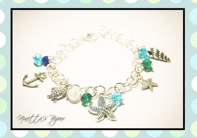 Bracciale con perle e charms stile marinaro