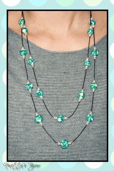 Collana con perle in fimo verdi, azzurre,bianche