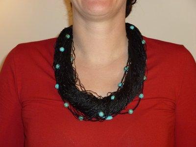 collana di fili di raso