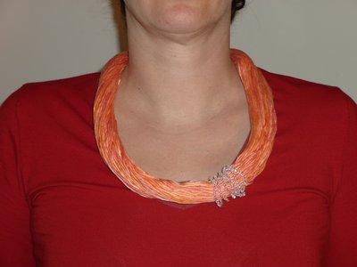 collana di fili di cotone