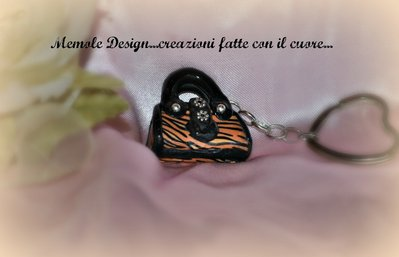 portachiavi borsetta tigrata