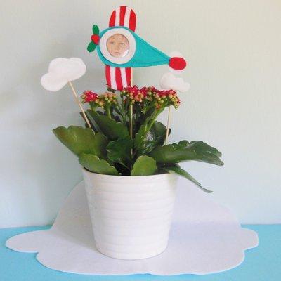 Nuvole decorative per centrotavola da accompagnare alle bomboniere ad aeroplanino: le decorazioni che fanno volare la fantasia!