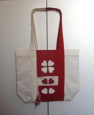 borsa bianco - rossa con applicazioni in pelle