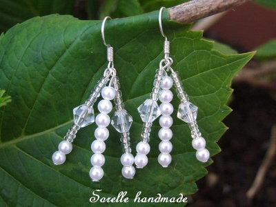 Orecchini di perle bianche