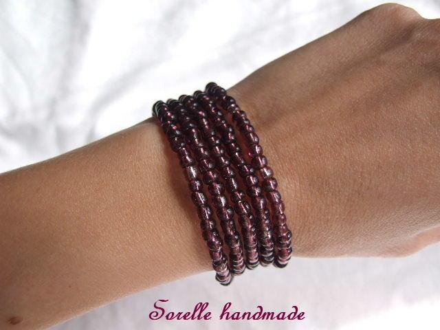 Braccialetto di perle color bordeaux