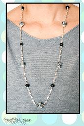 Collana con catena argentata e perle in fimo