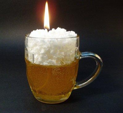 Jarra de cerveza, vela aromática