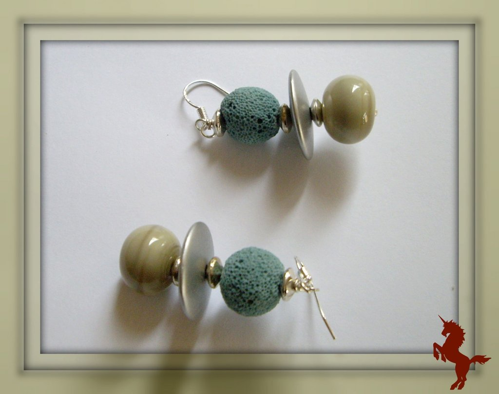 Boucles d'oreilles en perles de verre filé et pierre de lave