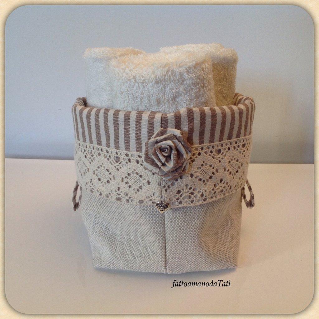 Cestino shabby in cotone a righe con tre lavette