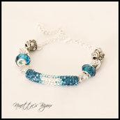Bracciale con strass azzurri