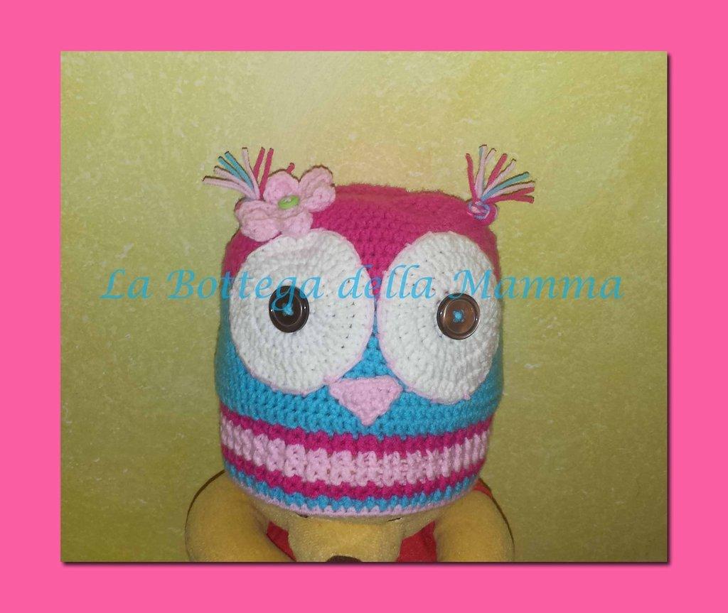 Cappello Gufina in caldo cotone realizzato a mano.