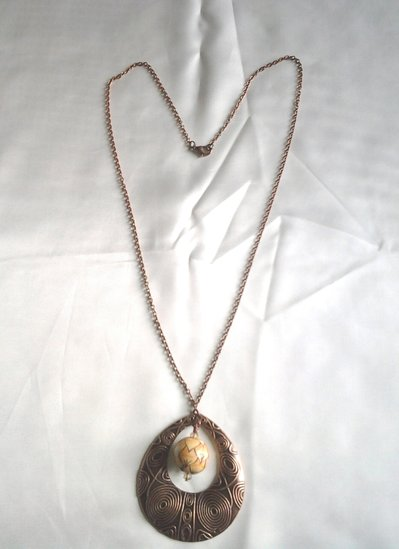 collana con medaglione rame e ceramica