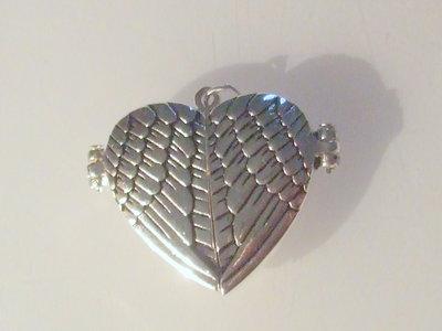 1 charm medaglione cuore apribile