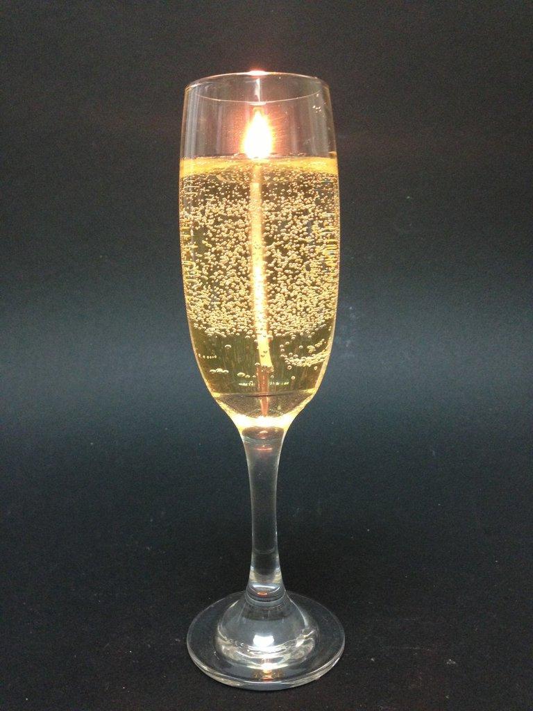 Copas de Champagne , velas aromáticas, candele / bougies / candles