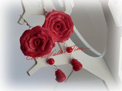 Orecchini Rose Grandi Color Rosso Ciliegia