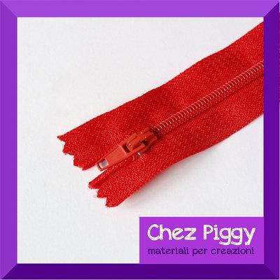 1 x chiusura lampo ZIP - Rossa