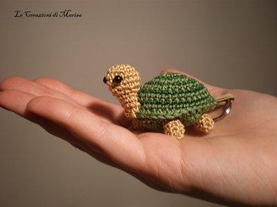 tartaruga portachiavi amigurumi