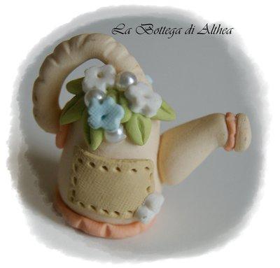 Annaffiatoio floreale in fimo