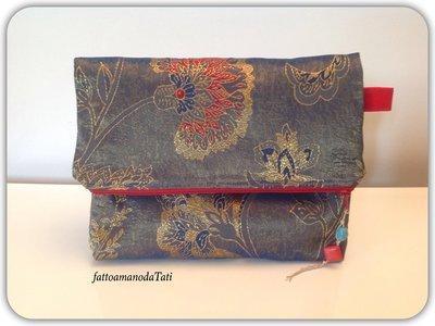 Pochette in broccato di seta blu,oro e rosso