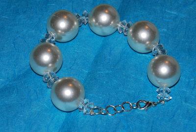 Braccialetto perle bianche