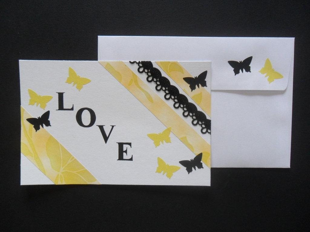 """Biglietto """"love"""" giallo e nero"""