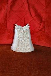civetta in ceramica bianca fatta a mano