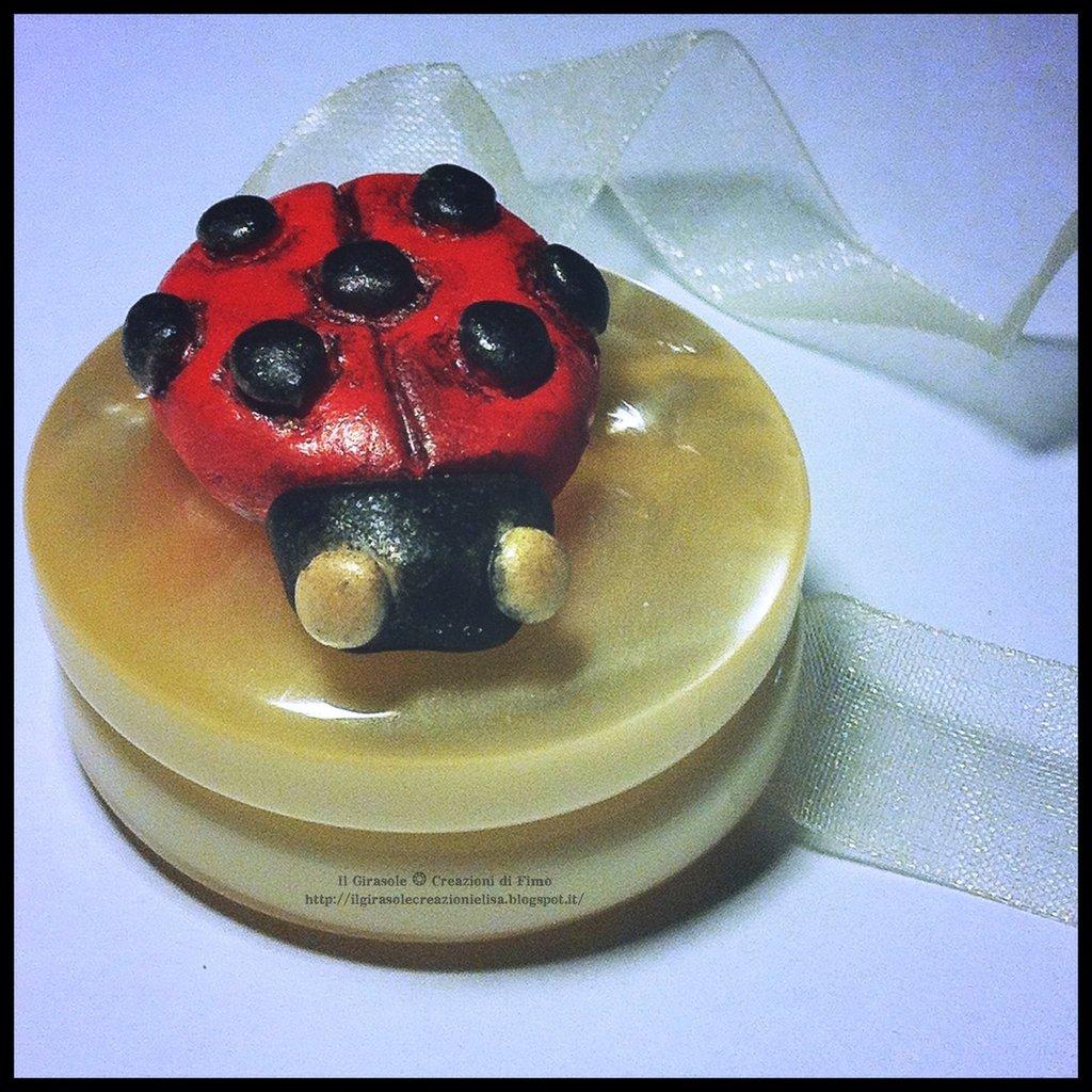 Magnete Lega Tenda con Coccinella in pasta polimerica fimo