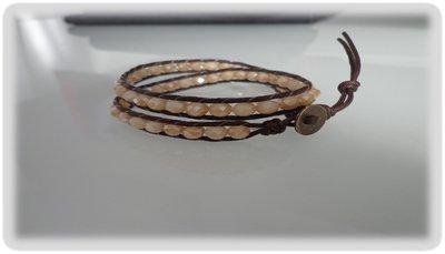 Bracciale moda primavera estate 2014 stile chan luu  doppio giro cordoncinocolor cuoio e perle sfaccettate color ambra