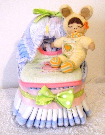 Culla di pannolini - Mini culla con bavaglino