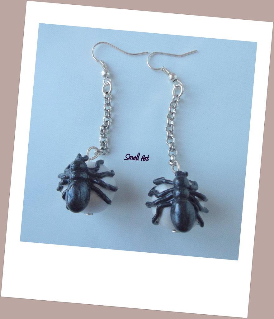 Orecchini con ragno