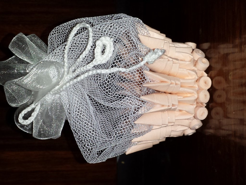 Bomboniera  battesimo preziosa abbinamento carta- tessuto interamente fatta a mano