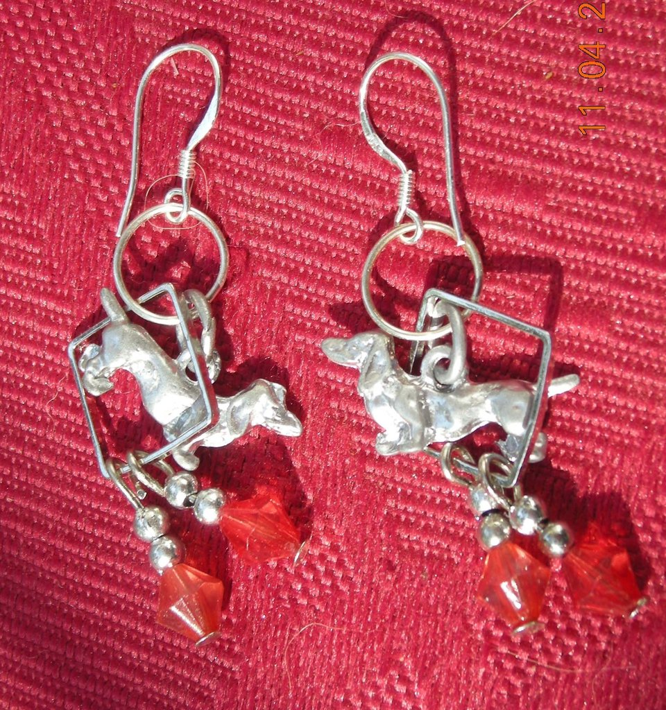 datchsund earrings