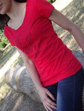 Maglia da donna, taglia S, rossa ,scollata, decorata davanti, dietro e con tagli