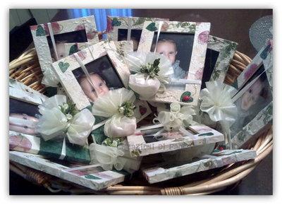 Bomboniere per bimbi: cornici decorate a mano