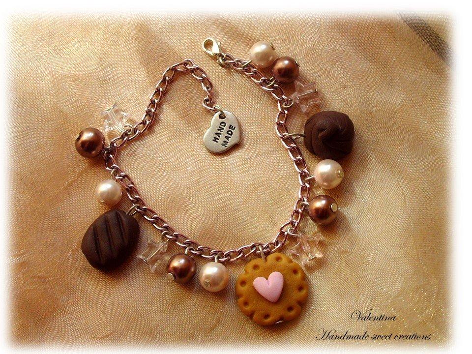 Bracciale goloso biscotto con cuore e cioccolatini fimo