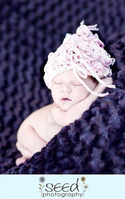 cappellino neonato Volant maglia a mano