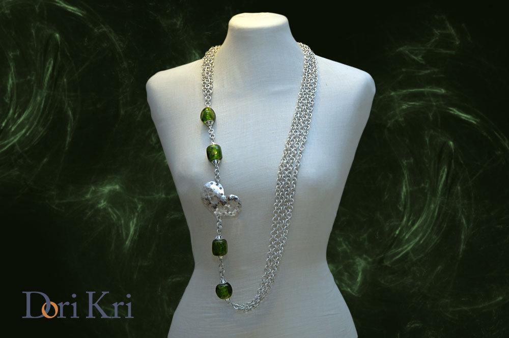 RISERVATO PER ARTINCARTO Un cuore d'argento tra vetri verdi... collana