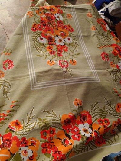 Fiera del bianco vintage: tovaglia in misto cotone verde fiori anni 70 NUOVA