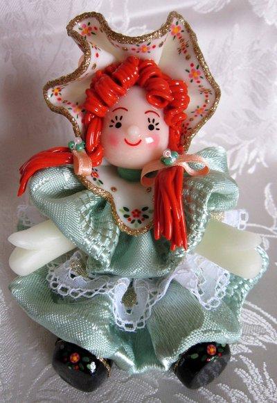Bambola in pasta di mais (verde)