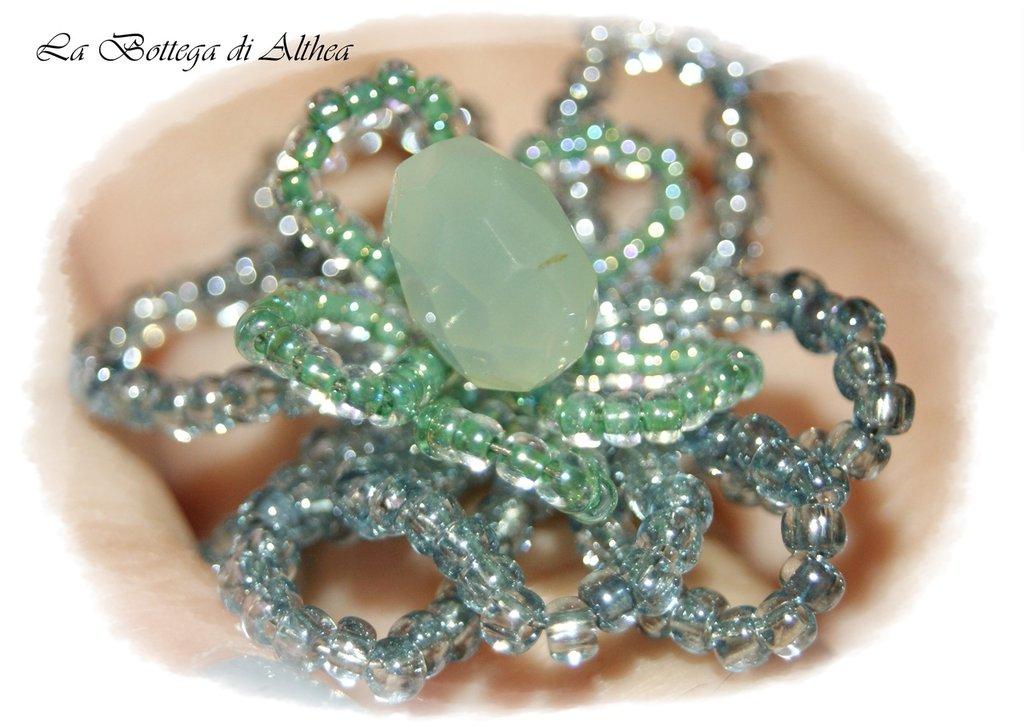 Anello fiore con cristallo di avventurina