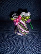campana pasqua con perline e paittes fatta a mano