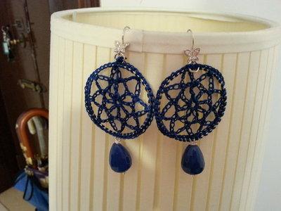 orecchini tricot con gancio con farfalla in argento