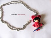 "Collana Dollina in Fimo ""bambina con impermeabile"""