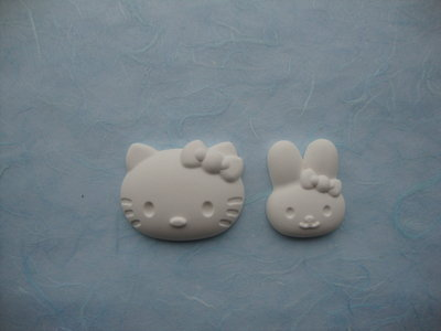 "2 gessetti in polvere ceramica ""Hello Kitty"""