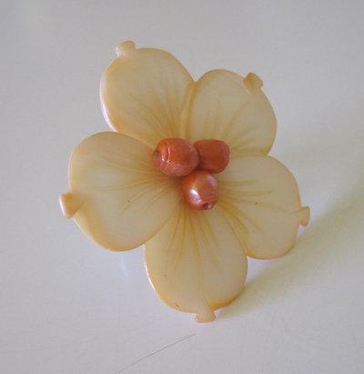 Anello fiore madreperla