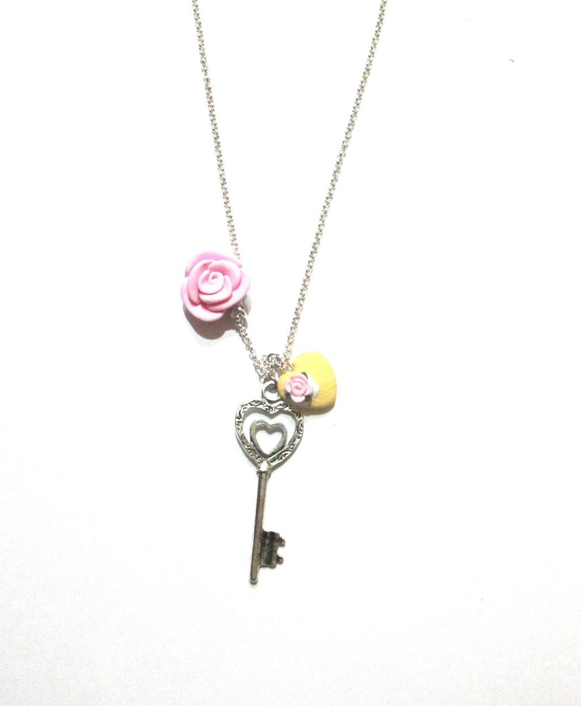collana e orecchini key rosa pastello