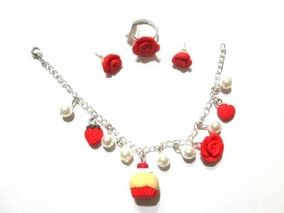 set bracciale,anello,orecchini cupcake and rose