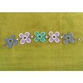 Braccialetto fiorellini e perle