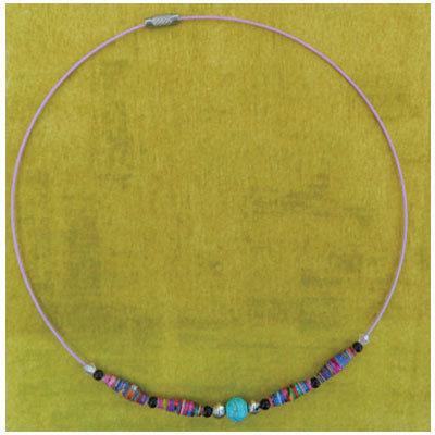 Collana rigida con perline di carta e perla azzurra