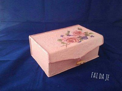Portagioie artigianale rosa antico con rose